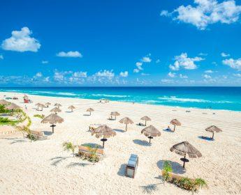 cancun playa delfines