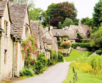 Cotswolds tour with picnic
