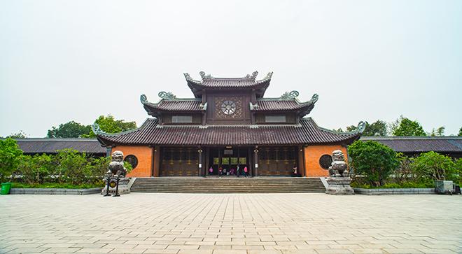 bai dinh pagoda ninh binh  hanoi day trip