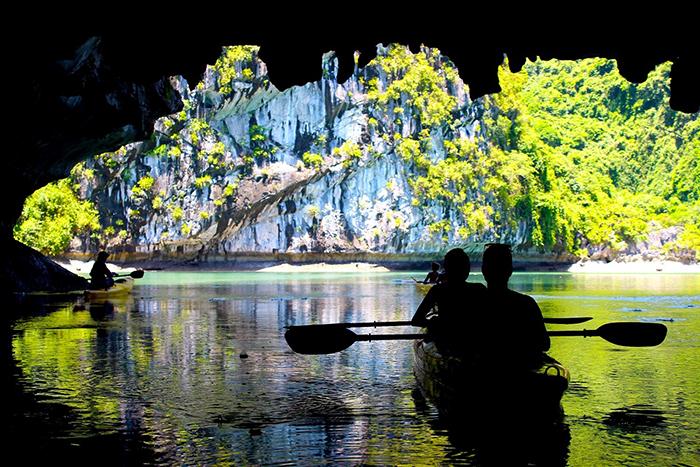 kayaking in vietnam halong