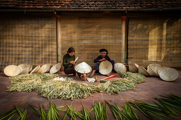 Chuong Conical Hat Making hanoi traditional villages